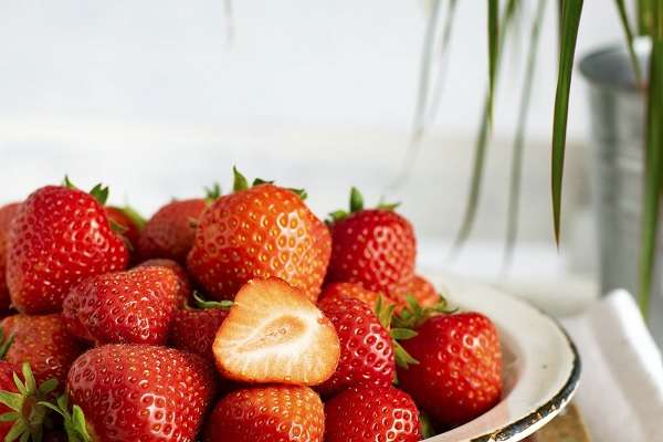 Read more about the article 10 Surprising Health Benefits Of Strawberries You Will Love